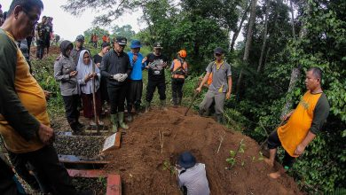 Photo of Kenapa Bima Arya Pimpin Relokasi Makam Longsor?