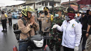 Photo of Tak Ada Sanksi, Hari Pertama PSBB di Bogor 'Tumpul'