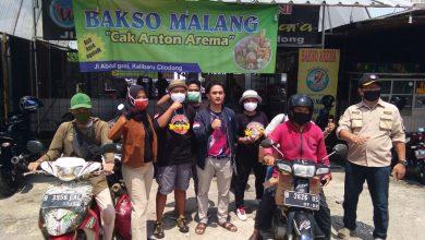 Photo of Relawan Dapur Warna Warni Depok Bagikan  200 Nasi Bungkus ke Pemulung, Ojol dan PKL