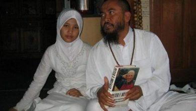 Photo of Masih Ingat Syekh Puji? Dikabarkan Nikahi Anak Usia 7 Tahun