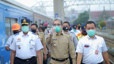 Photo of Pemkot Tegaskan Tiga Penumpang KRL Positif Corona Bukan Warga Bogor