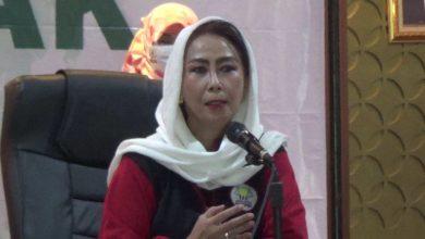 Photo of Yenti Garnasih: Kebijakan Pusat Kontradiktif dengan Daerah