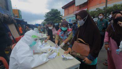 Photo of 4 Pengunjung dan Pedagang Pasar Anyar Dinyatakan Reaktif Covid-19