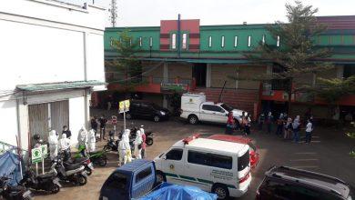 Photo of Sebelum Meninggal, Pedagang Daging Pasar Cileungsi Sempat Tularkan Covid-19 ke Dua Anggota Keluarganya
