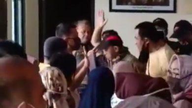 Photo of Pasar Bogor Dibiarkan Buka, Puluhan Pedagang Pasar Anyar Protes