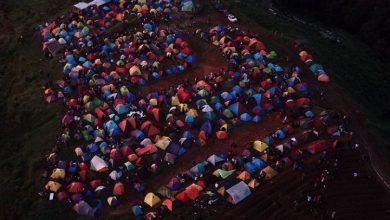 Photo of Viral! Masih PSBB, Lautan Tenda Padati Bukit Alas Bandawasa Bogor