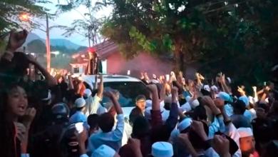 Photo of Yel-yel Ini Menggema Saat Ribuan Pendukung Sambut Habib Bahar bin Smith