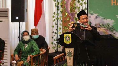 Photo of Ustadz Yusuf Mansur Ajak Warga Bogor Berbagi di Tengah Pandemi, Ade Yasin: Usia 538 Tahun Sangat Kramat