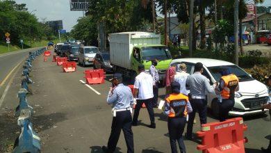 Photo of Antisipasi Penyebaran Covid-19, Petugas Gabungan Kembali Perketat Keluar Masuk Jalur Puncak