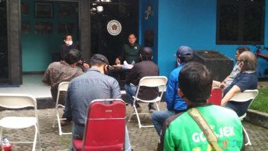Photo of Belum Diizinkan Angkut Penumpang, Driver Ojol di Bogor Ini Nekat 'Ontrog' Bima Arya