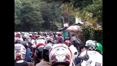 Photo of Kawasan Puncak Kerap Macet di Masa PSBB Transisi, Bupati Bogor Hanya Bisa Menghimbau