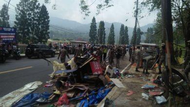 Photo of Jelang AKB, Ratusan PKL di Puncak Bogor Ditertibkan