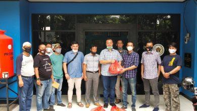 Photo of Pengusaha Salurkan Paket Sembako Bagi Wartawan PWI Kota Bogor