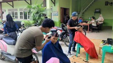 "Photo of Cukur Gratis Ditengah Pandemi Covid-19,  Raka Barber Box Datangi Panti Asuhan  ""Pangling Pisan"""