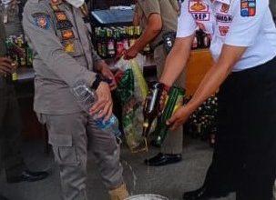 Photo of Sat Pol PP Kota Bogor Sita dan Musnahkan Ribuan Botol MIRAS Ilegal
