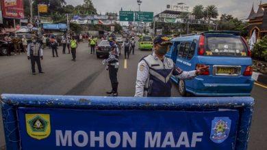 Photo of Malam Tahun Baru, Jalur Puncak 'One Way' dan  Kota Bogor  'Patroli Gabungan' Bubarkan Kerumunan
