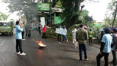 Photo of Rumah Sakit Jiwa Marzoeki Mahdi , Tidak Transparan Kelola Bogor Golf , Di Demo Mahasiswa