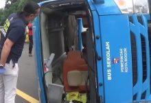 Photo of Bus Terguling di Tol Jagorawi, Penumpangnya Pasien Covid-19 Menderita luka-luka