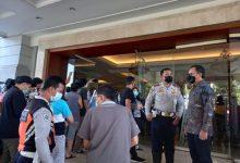 Photo of Teganya Ratusan Lansia Antri Vaksin Massal , Wali kota Bogor  Geram Salahkan Halodoc