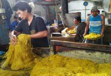 Photo of Luar Biasa,  Permintaan Pasar Mie Golosor Meroket  Hampir 45 Ton Perhari, Selama Ramadan