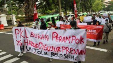 Photo of Pasca Unjuk Rasa Di Balai Kota Bogor,  PKL Bisa  Berjualan Sementara Di Blok B Pasar Kebon Kembang Bogor