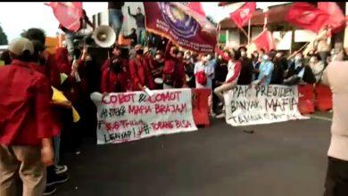 Photo of Dilaporkan ke Polresta Bogor Kota, Aksi Jagoan Oknum Sipil Tendangi Mahasiswa GEMPPAR